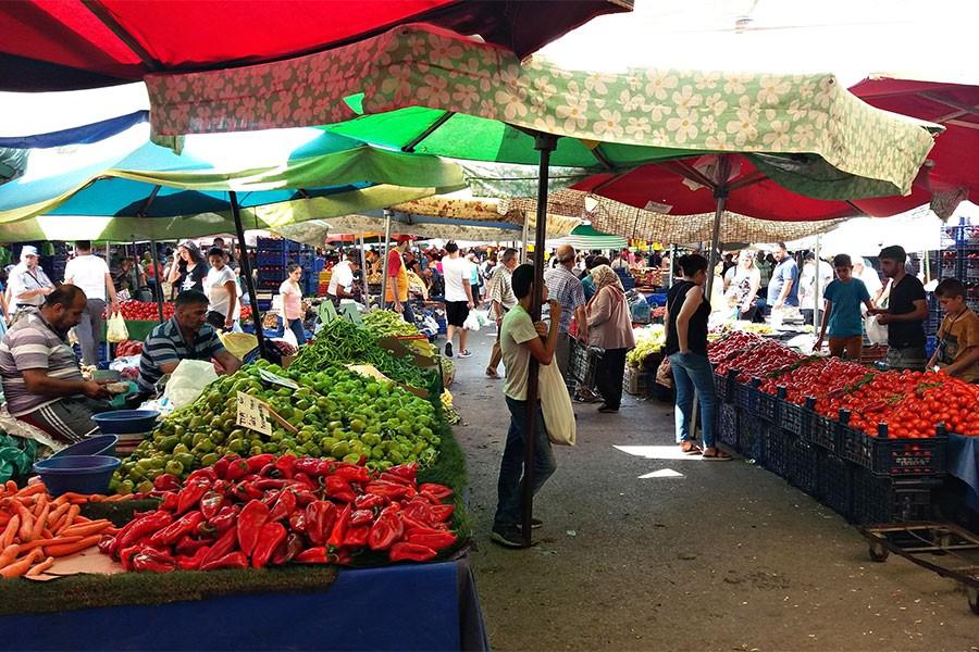 Buca'dan ekonomi manzarası: Gelir yarılandı; pazarcının satışı azaldı