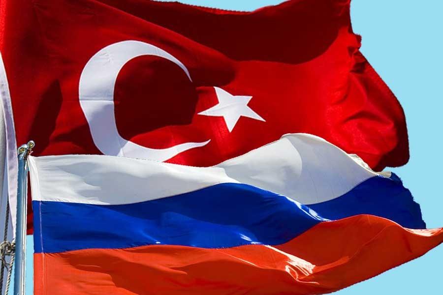 Putin, iş için Rusya'ya giden Türkiye vatandaşlarına vizeyi kaldırıyor