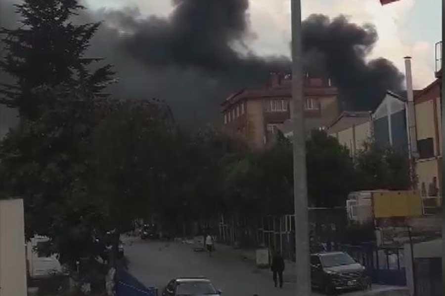 Beylikdüzü'de fabrika yangını