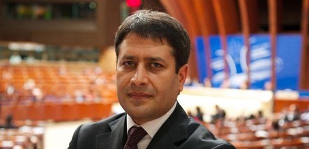 AKP'li Şahin: Türkiye bütün bir ümmetin ayakta dimdik duran son kalesi
