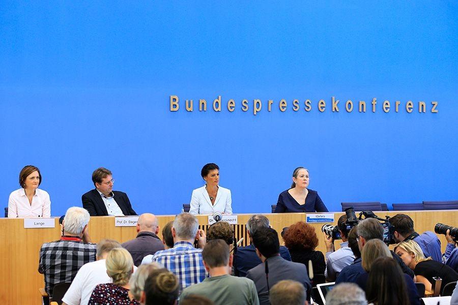 Almanya'da yeni bir sol hareket kuruldu: Ayağa Kalk