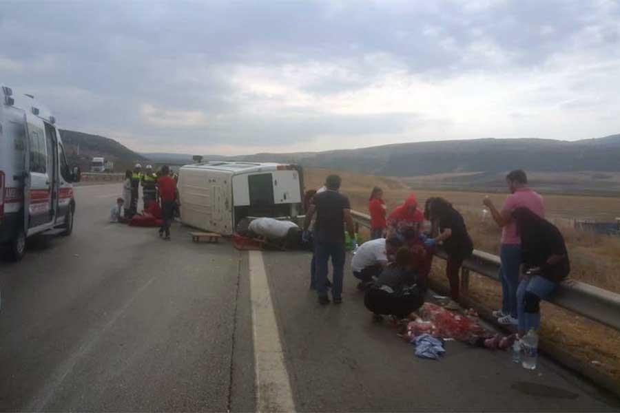 Aydın'da işçi servisi devrildi: 6 yaralı