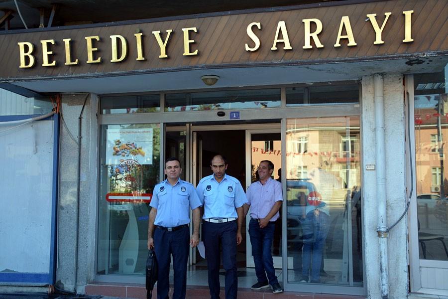 AKP'li belediyeye haciz geldi