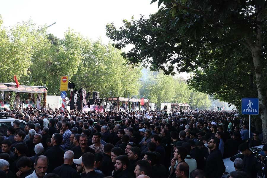 İran-Irak Savaşı'nda ölen 135 İran askeri için tören düzenlendi