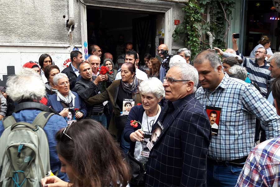 Cumartesi Anneleri'nin 705. haftası da polis ablukasında geçti