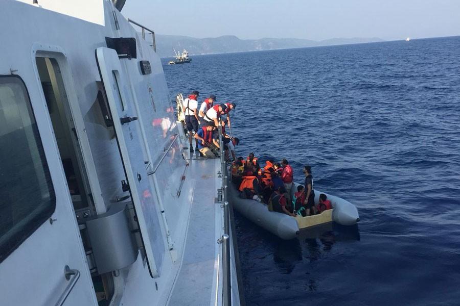 Ege Denizi'nde mülteci botu alabora oldu, en az 5 mülteci öldü