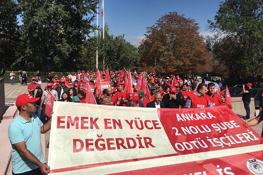 ODTÜ'de işçiler TİS haklarını istiyor