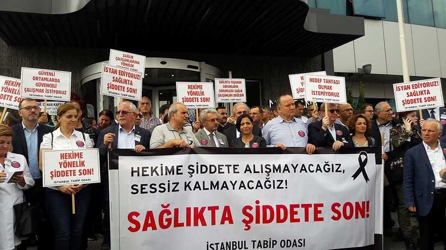 AKP'den hekimlere çözüm değil, ceza çıktı