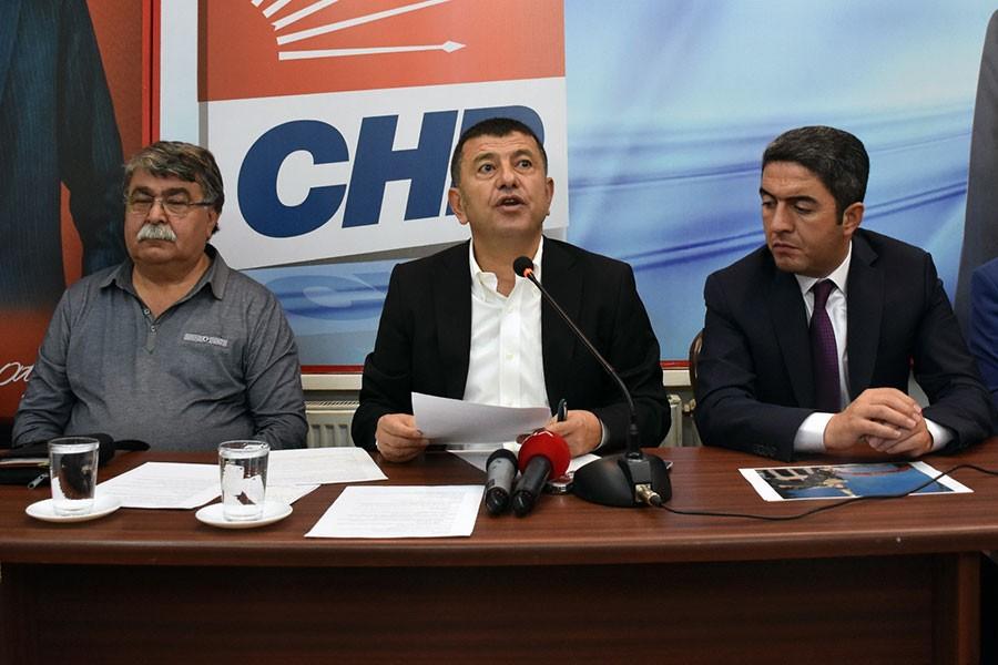 CHP'li Ağbaba: 16 bakanlık ABD'li şirkete teslim edildi