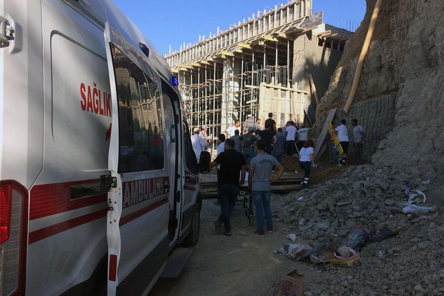 Kolej inşaatında istinat duvarı çöktü: 1 işçi öldü, 2 işçi yaralı