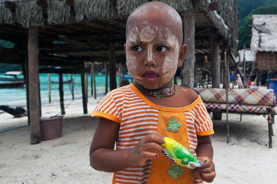 Andaman denizinin yunusları: Moken çocukları