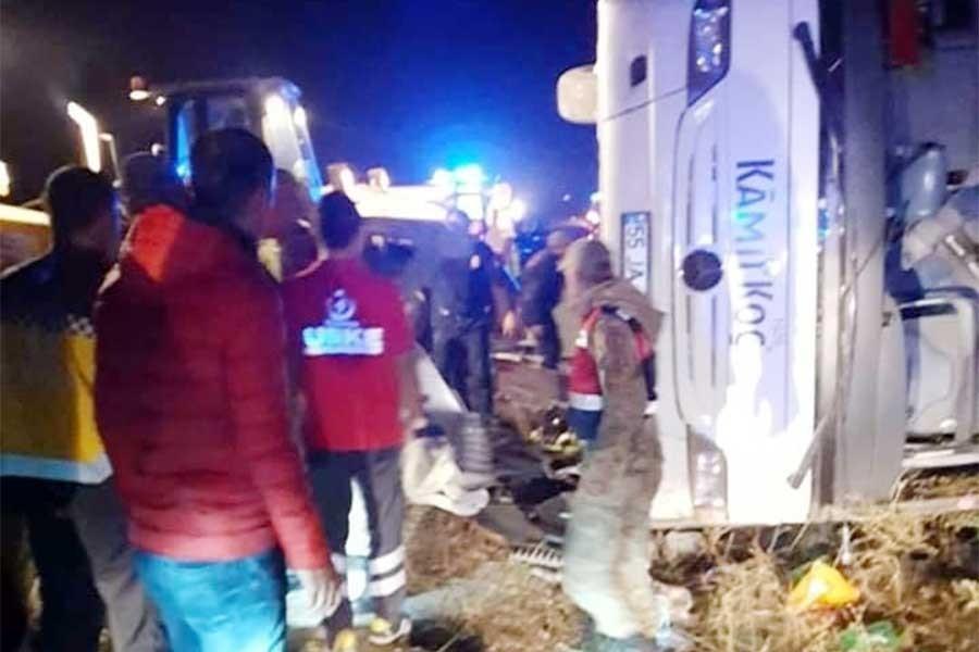 Maraş'ta yolcu otobüsü devrildi: 7 kişi yaşamını yitirdi, 24 yaralı