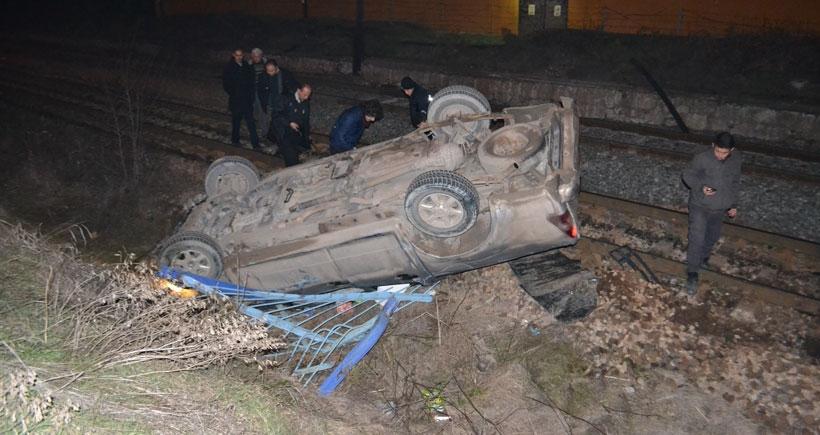 Çankırı'da otomobil tren yoluna uçtu: 4 yaralı