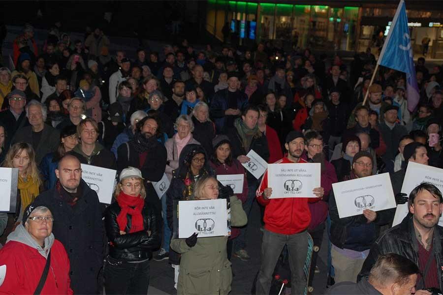 Stockholm'de konutların özelleştirme girişimi protesto edildi