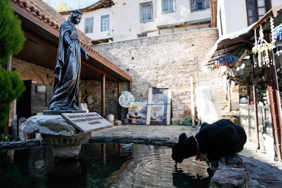 Kilise bahçesindeki dilek havuzu için kamulaştırma kararı verildi