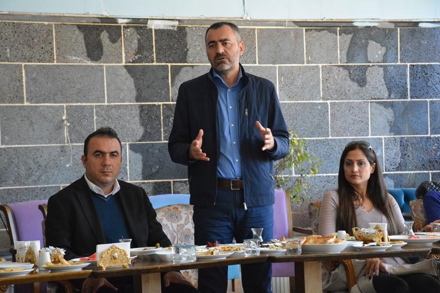 Diyarbakır Barosu Başkanı Cihan Aydın basın emekçileriyle buluştu