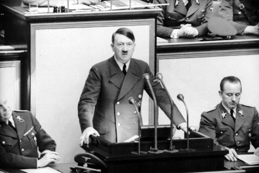 Doktora tezinde Hitler 'Sosyalizmin kurucusu' ilan edildi