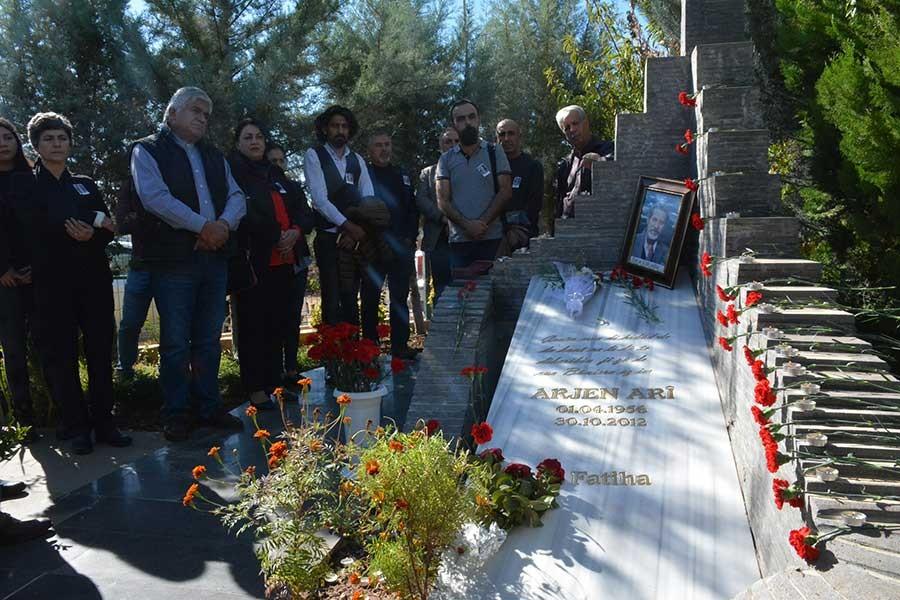 Kürt Şair Arjen Arî mezarı başında anıldı