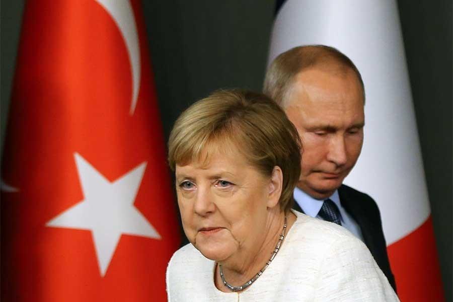 Merkel: Rusya'ya yönelik yaptırımların uzatılmasından yanayız
