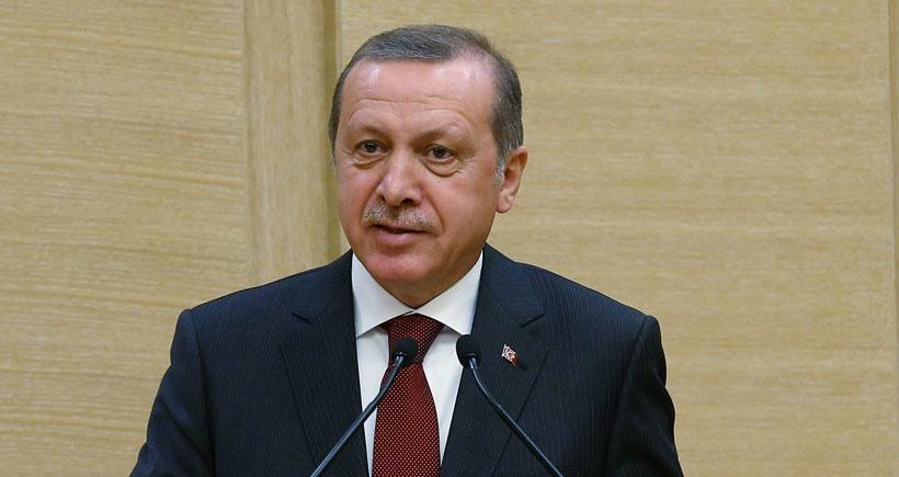 Erdoğan: Erkeğim diyor, erkek pantolonla dolaşır, niye etekle dolaşıyorsun?