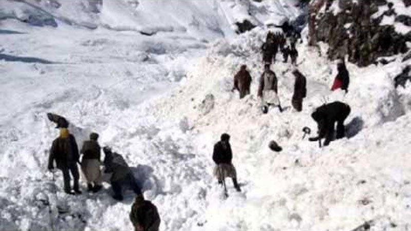 Afganistan'da çığ felaketi: En az 100 ölü var