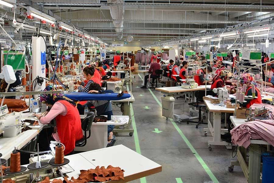 Bangladeş'te tekstil işçileri ücret eşitsizliğini protesto ediyor
