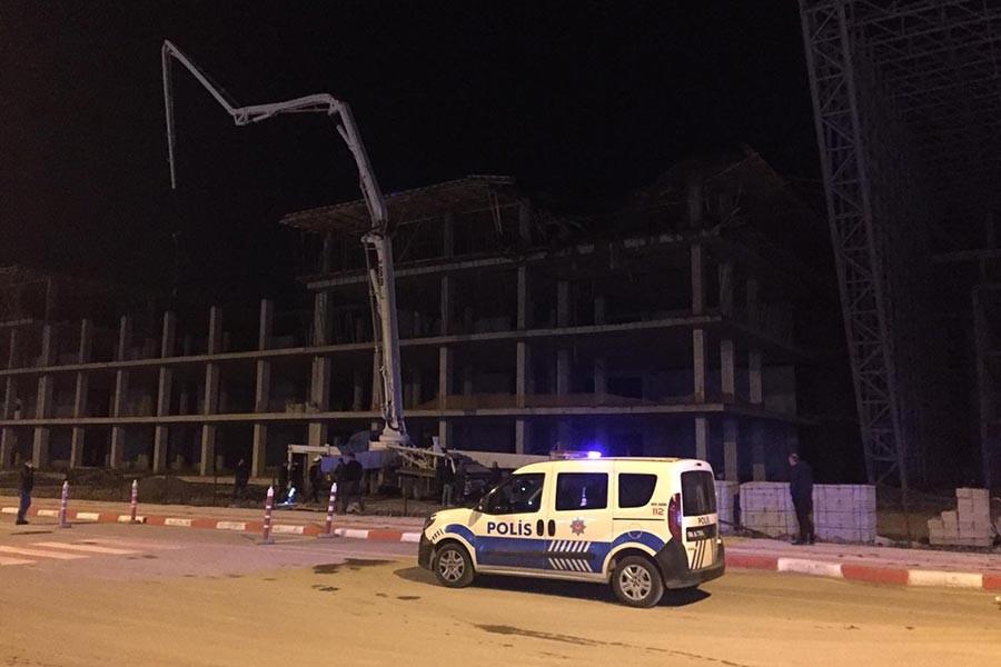 Sivas'ta inşaatta iskele çöktü: 4 işçi yaralı