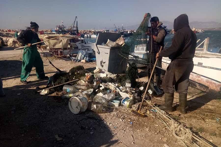 Taşburun'un çöpleri temizleniyor