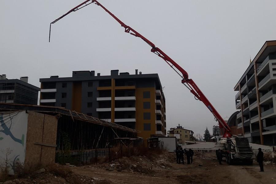Konya'da bina inşaatında kalıbın çökmesi sonucu 2 işçi yaralandı
