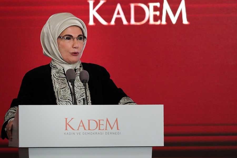Emine Erdoğan'a göre kadına şiddetin çözümü 'aile'de