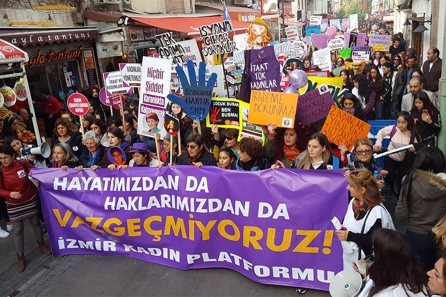 Şiddete, sömürüye, eşitsizliğe karşı kadınlar alanlarda