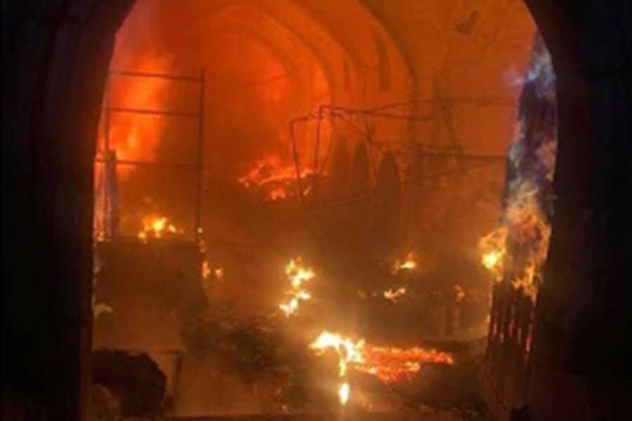 Kerkük'teki tarihi 'Kayseri Çarşısı'nda yangın çıktı