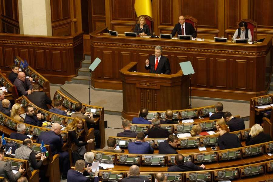 Times: Rusya-Ukrayna krizi, Putin ve Poroşenko'nun işine yarıyor
