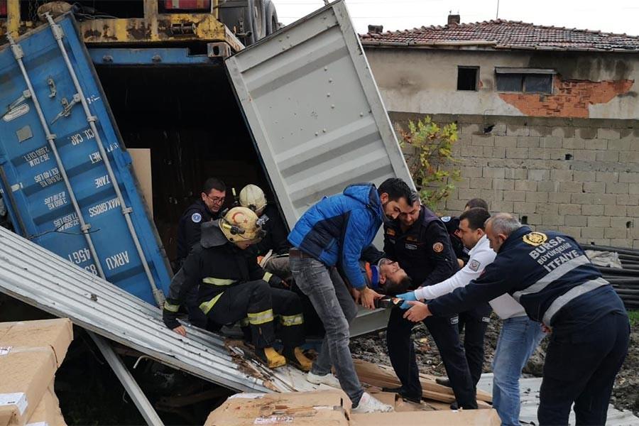 Mobilya fabrikasında iş cinayeti: 2 işçi öldü, 1 işçi ağır yaralandı