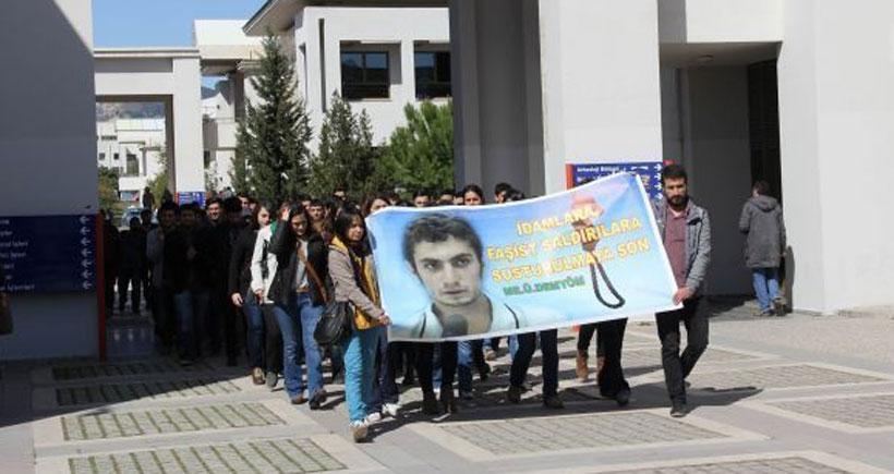 Öğrenciler İran ve AKP'nin politikalarını protesto etti