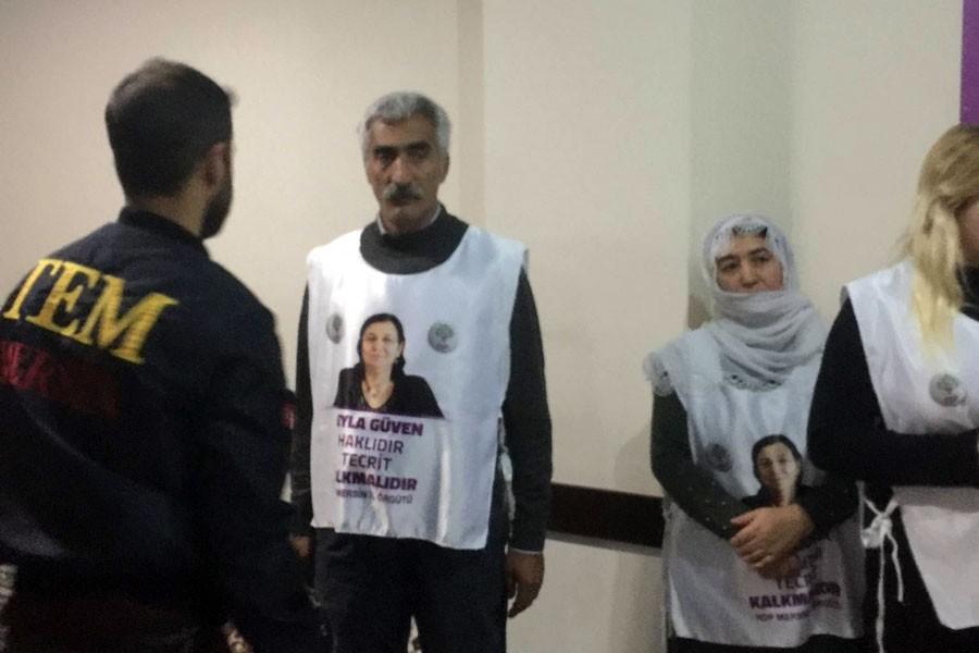 Mersin'de açlık grevindeki 10 HDP'li gözaltına alındı