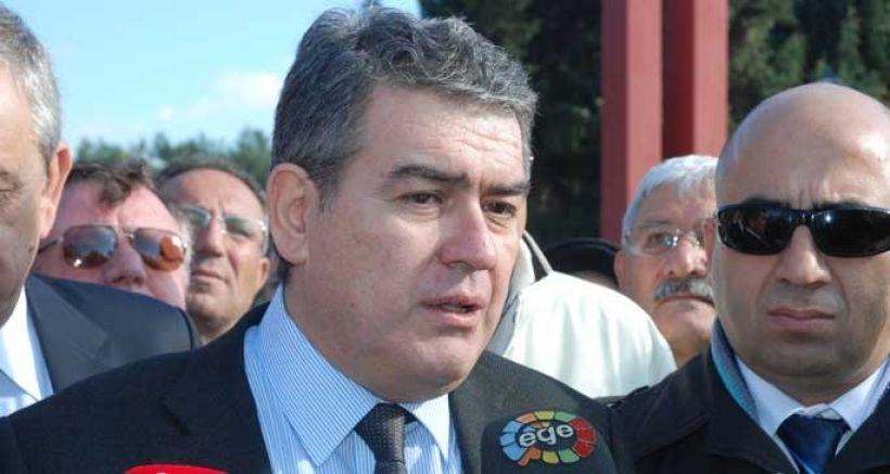İhraç edilen Süheyl Batum, davayı kazandı CHP'ye geri döndü