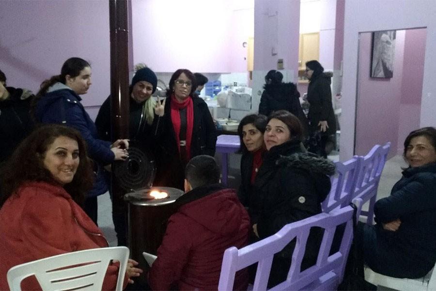 Gülsuyu'da kadınlar film gösteriminde buluştu, şiddeti konuştu