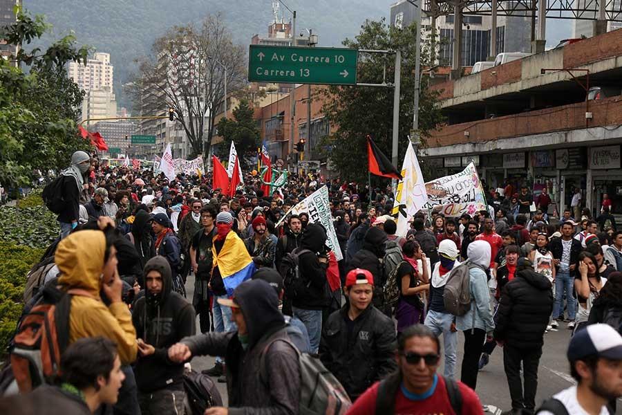 Kolombiya'da direnen öğrenciler kazandı; hükümet talepleri kabul etti