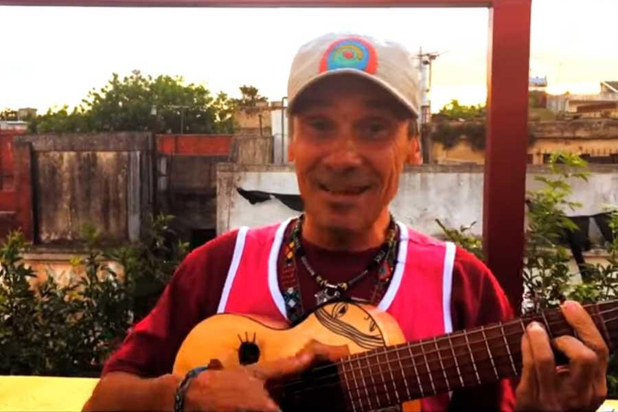 Manu Chao'dan River Plate-Boca Juniors finaline şarkı