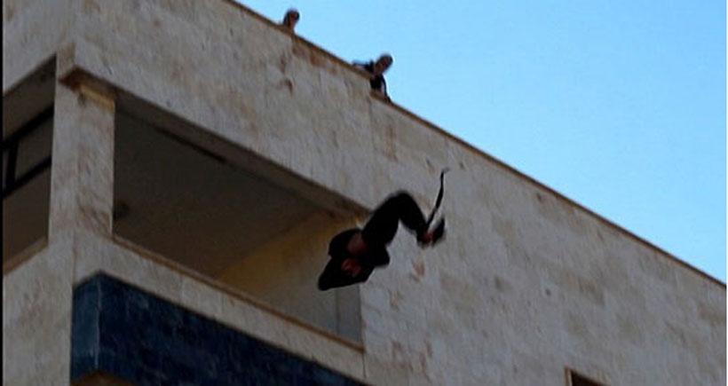 IŞİD bir kişiyi daha binadan atarak öldürdü
