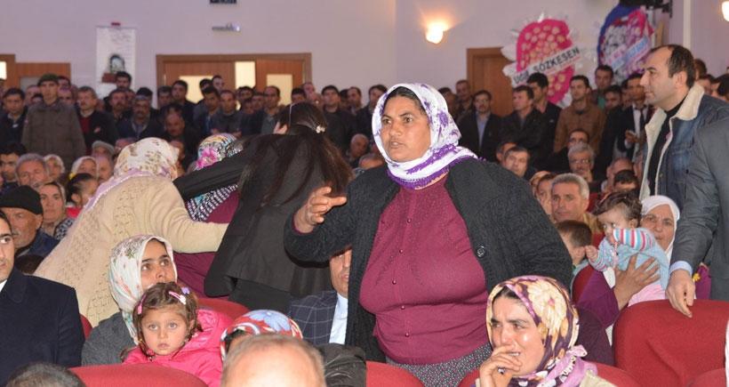 Ermenek'te madenci aileleri bakanları protesto etti