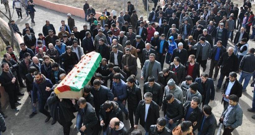 YPG Komutanı Esen'i binler uğurladı