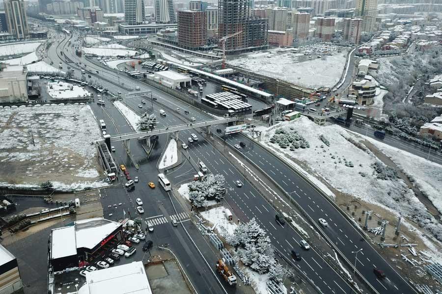 Beylikdüzü'de kar havadan fotoğraflandı