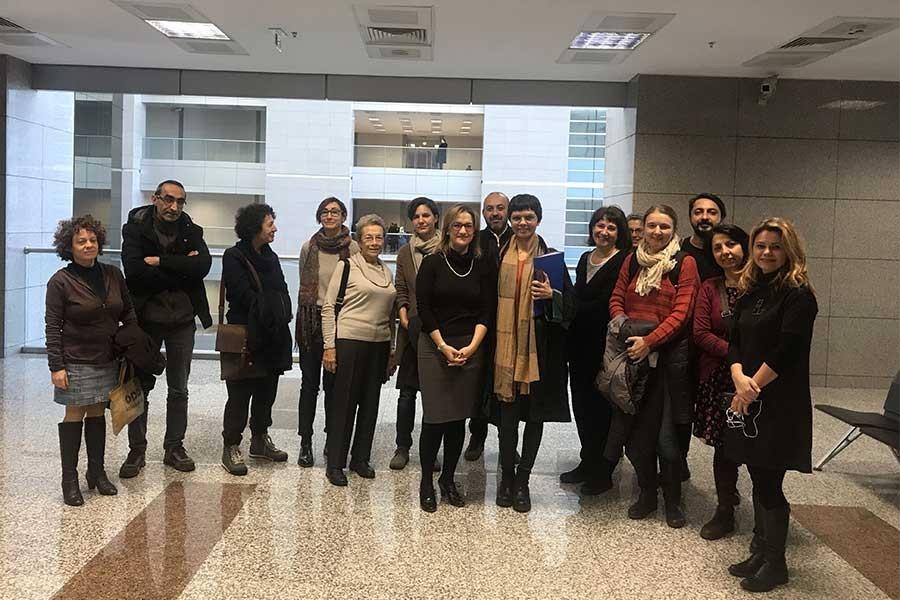 Barış Akademisyenleri Ceren Sözeri ve Mahmut Çınar'a 1 yıl 3 ay ceza