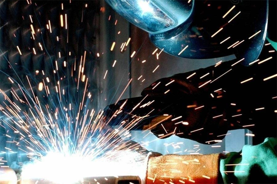 Ekim'de sanayi üretimi geçen yıla oranla yüzde 5,7 geriledi