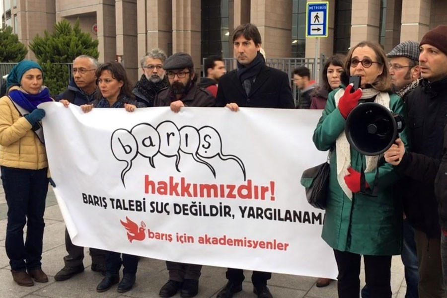 4 Barış Akademisyeni daha beraat etti