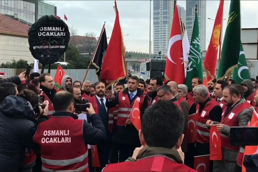 Fatih Portakal'a tehdit: %52 evlerinde dişlerini sıkarak beklemektedir