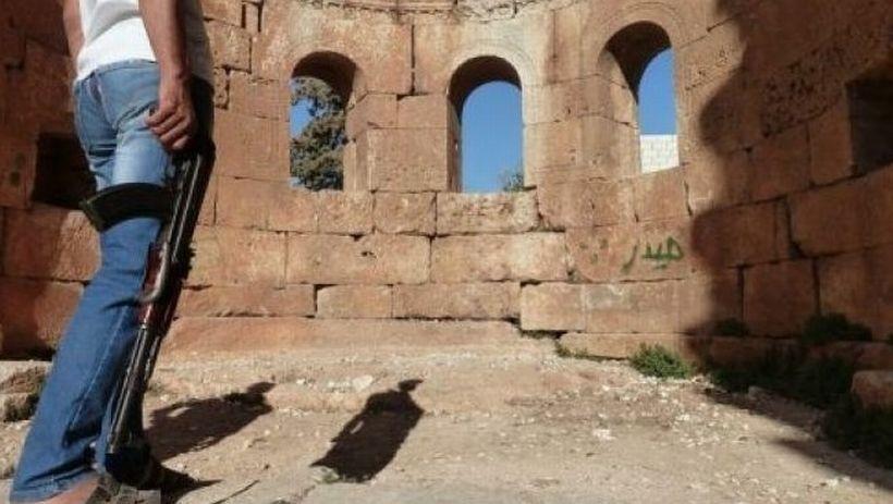 Canbolat'la Nusra anlaştı: Dürziler ölmemek için Müslüman olacak