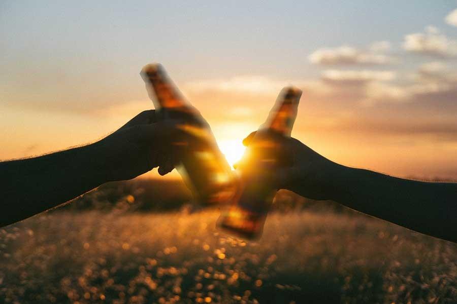 Yeni yılda alkollü içkide vergi yüzde 13.4 arttı
